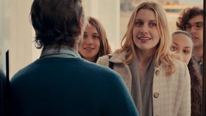 L-R: Tracy (Lola Kirke), Brooke (Greta Gerwig), Nicolette (Jasmine Cephas-Jones), and Tony (Matthew Shear) make a spontaneous visit in MISTRESS AMERICA.