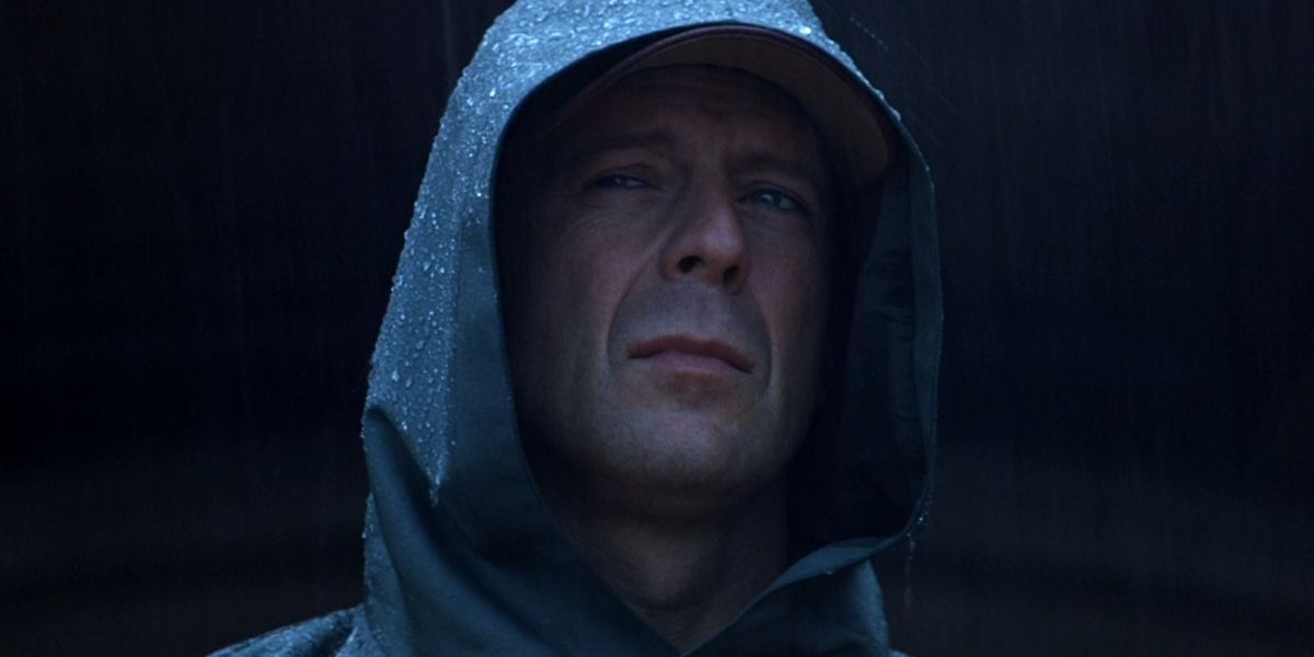 Unbreakable 2000 Classic Movie Review Undoubtedly Shyamalan S Best Film Everything Movie Reviews